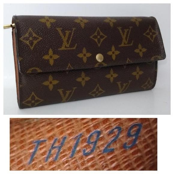 ebaac0747 Louis Vuitton Handbags - Authentic Louis Vuitton Sarah Monogram Long Wallet